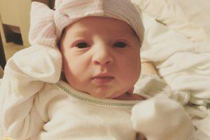 Moteris pagimdė kūdikį iš embriono, užšaldyto prieš 24 metus