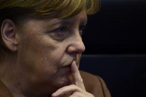 Keičiasi A. Merkel politikos kryptis: ką tai galėtų reikšti?