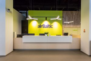 """""""airBaltic"""" Rygoje atidarė avialinijų būstinę"""