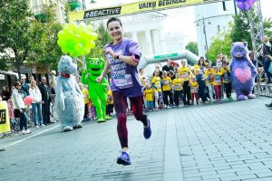 Maratono dalyvius nustebino anksčiau laiko startavusi moteris