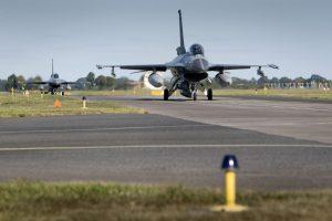 Baltijos šalių oro erdvėje – NATO pratybos