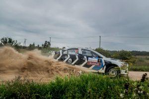 """""""300 Lakes Rally 2015"""" ralio nugalėtojų taurė iškeliauja į Estiją"""