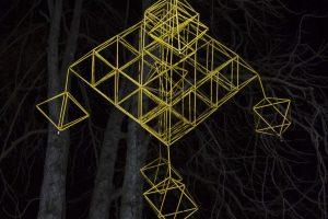 Šventaragio slėnyje Vilniuje nušvito dešimt didžiulių sodų
