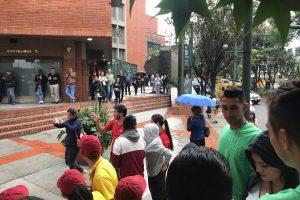 Kolumbijos prekybos centre nugriaudėjo sprogimas, yra aukų