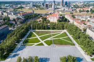 Atgimstanti Lukiškių aikštė kviečia švęsti laisvę
