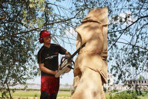 Dešimties valstybių skulptoriai papuošė Neveronis