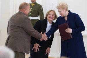 Prezidentė apdovanojo žydų gelbėtojus