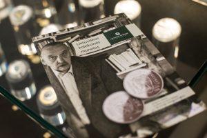 Lietuvos bankas pristatė A. J. Greimui skirtą monetą