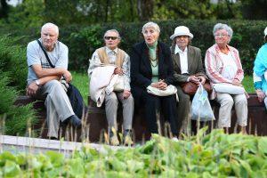 Spąstai senoliams – siūlo kraustytis į senelių namus