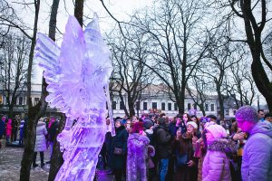 Prezidentūros sodelyje – prezidentų sveikinimai ir neregėtos ledo skulptūros
