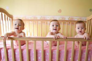 Išmokos – keturioms dvynių poroms
