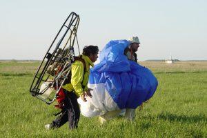 Parasparnininkas: skraidymas – lyg vaikščiojimas peilio ašmenimis (nutraukė paiešką)