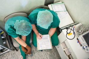 Organų transplantacija vien operacinėje nesibaigia