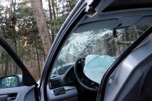 Per avariją Alytuje iš automobilio iškrito vaikas