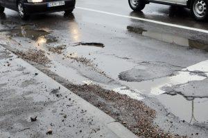 Panevėžio savivaldybė atlygins dėl duobėtų gatvių atsiradusią žalą