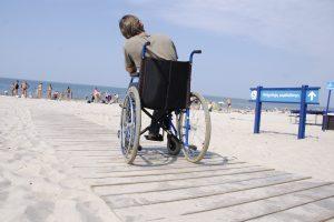 Neįgalieji – lyg raupsuotieji?