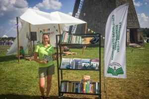 "Tautinėje stovykloje ""Laužų karta 2018"" – biblioteka po atviru dangumi"