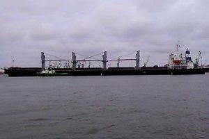 Po uosto akvatoriją blaškėsi nevaldomas laivas
