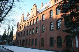 Klaipėdos universiteto pastatas pasitinka atnaujintais fasadais