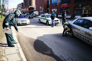 Centre susidūrus mašinoms policininkai aiškino, kuris kaltas