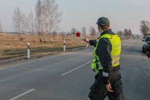 Sugriežtinus sankcijas tūkstantis asmenų prarado teisę vairuoti