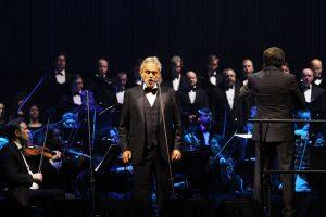 Kaune gerbėjų širdis ir vėl suvirpino A. Bocelli