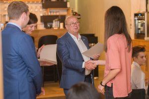 Geriausius Kauno abiturientus meras pakvietė šventinių pietų