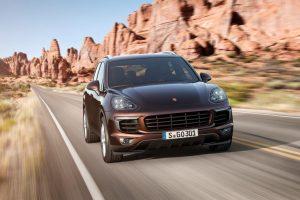 """""""Porsche"""" naujos kartos """"Cayenne"""" pristatymas – šį mėnesį"""