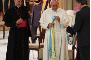 Popiežius Pranciškus ragina liuteronus užmiršti doktrinų skirtumus