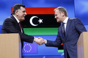 Europos Sąjunga: įmanoma pažaboti migrantų srautą iš Libijos