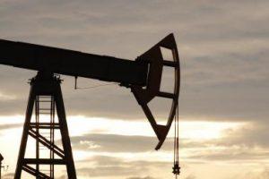 """""""Orlen"""" neigia, kad Mažeikių gamyklai naftą tiekia didesne kaina"""
