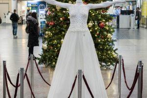 Kalėdinę atmosferą Vilniaus oro uoste kuria Sniego karalienė