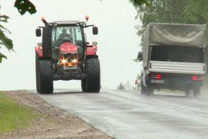 """Kas laimės """"Didžiąsias traktorių lenktynes"""": M. Starkus ar V. Radzevičius?"""