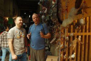 Raganų turguje keliautojai rado balzamų, padedančių tapti milijonieriais