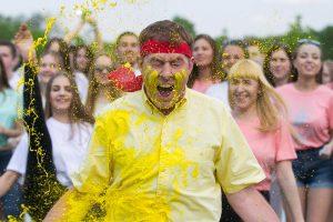 TV3 vasaros sezonas prasideda maudynėmis spalvinguose dažuose