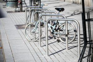 Vilnius patogesnis dviratininkams: atsiras 1500 naujų dviračių stovų