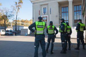 Prie Kauno geležinkelio stoties paliktame lagamine sprogmenų nerasta