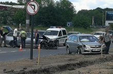 """Dainavos rajone – BMW ir """"Opel"""" avarija, formuojasi spūstys"""