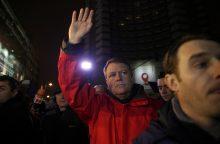 Dėl korumpuotų politikų paleidimo Romunijoje protestavo ir prezidentas