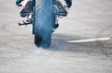 Motociklo partrenktai mažametei lūžo blauzdos kaulai