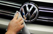 """Volkswagen"" atšaukia dujinius ""Touran"""