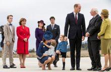 Britanijos princas Williamas su šeima lankosi Kanadoje