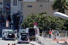 Marselyje į autobusų stoteles įsirėžus automobiliui žuvo moteris