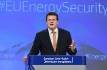 Eurokomisaras sumalė į miltus Lietuvos planą dėl elektros embargo iš Astravo
