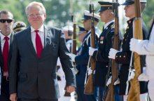 Švedija į privalomą karo tarnybą šauks ir merginas