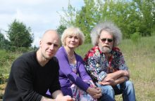 "V. Bareikis ruošiasi koncertams su legendiniu ""Dainos teatru"""