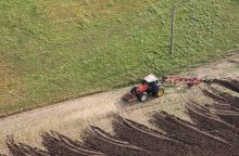 Nuo sausros nukentėjusiems ūkininkams sušvelninti žalinimo reikalavimai