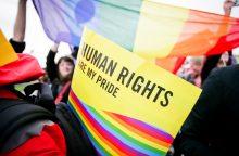 Vyriausybei – raginimas apsispręsti dėl paslaugų transseksualams