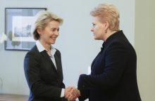 Vokietijos gynybos ministrei – aukštas Lietuvos apdovanojimas