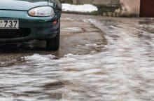Kelininkai įspėja: naktį eismo sąlygas sunkins šlapdriba ir plikledis